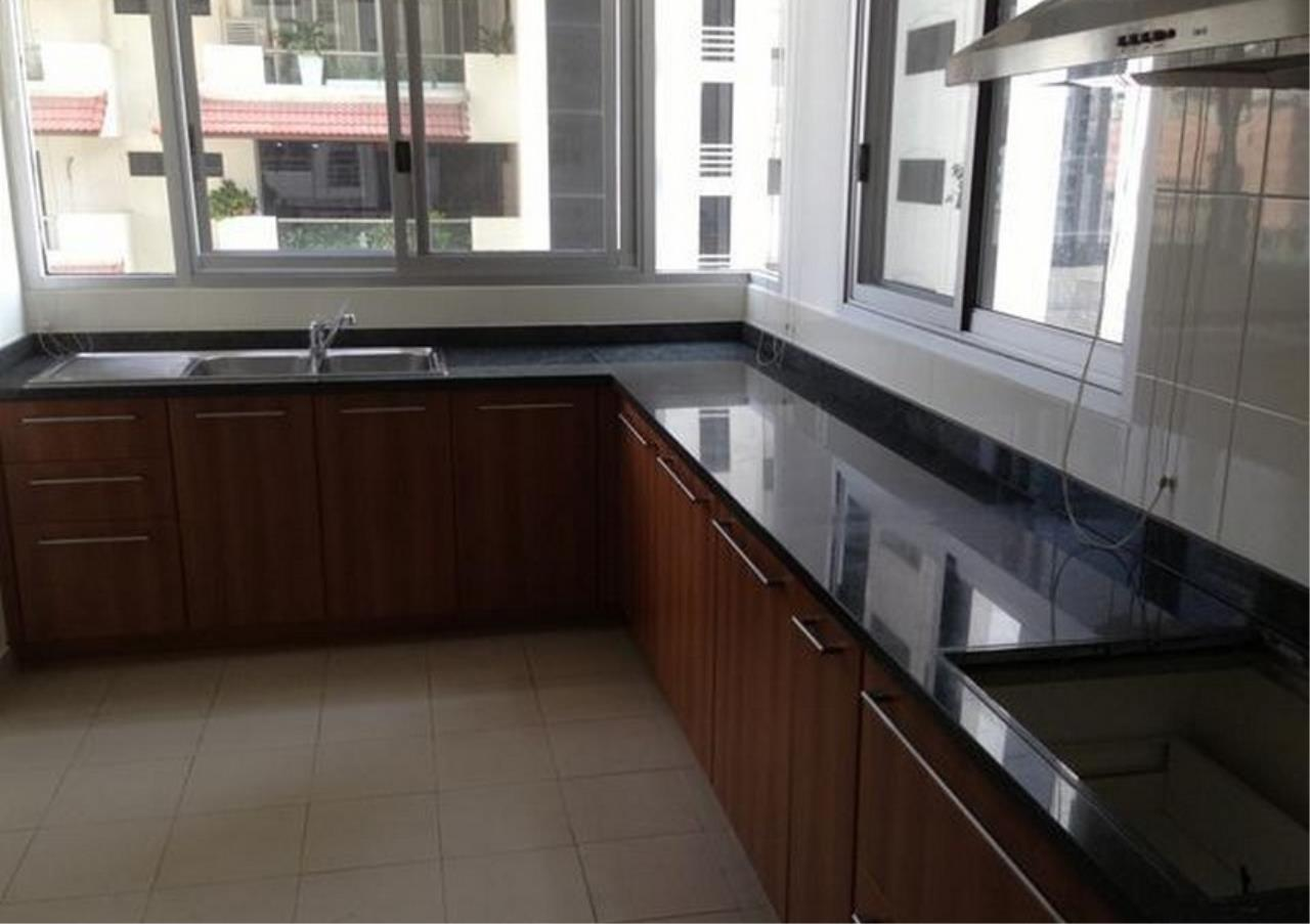 Bangkok Residential Agency's 3 Bed Apartment For Rent in Asoke BR0879AP 4