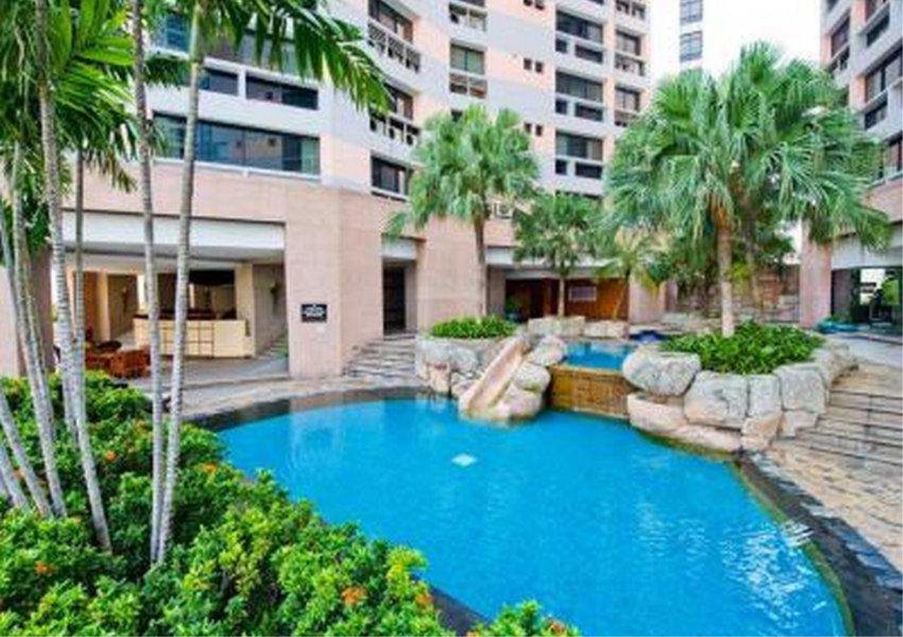 Bangkok Residential Agency's 3 Bed Condo For Rent in Phrom Phong BR1022CD 14