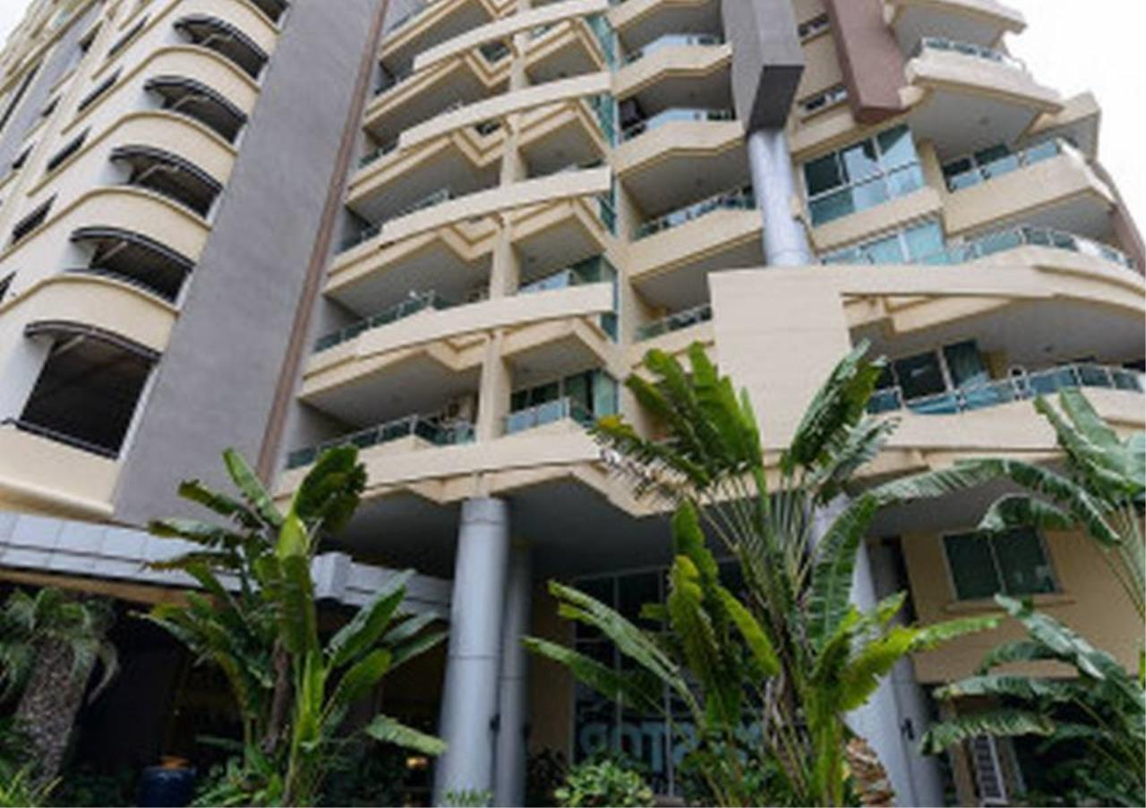Bangkok Residential Agency's 3 Bed Condo For Sale in Nana BR1025CD 1