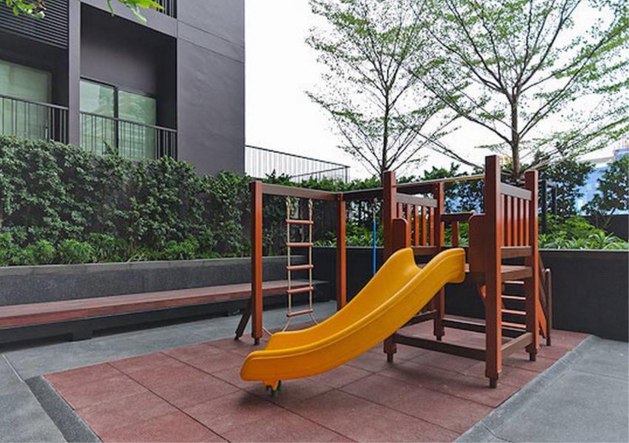 Bangkok Residential Agency's 2 Bed Condo For Rent in Ekkamai BR1060CD 6