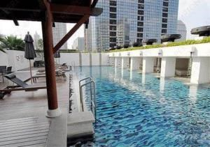 Bangkok Residential Agency's 2 Bed Condo For Rent in Phloenchit BR1072CD 1