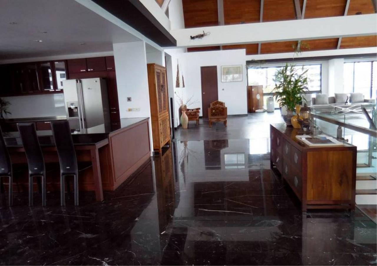 Bangkok Residential Agency's 5 Bed Penthouse For Rent in Phrom Phong BR1087CD 4