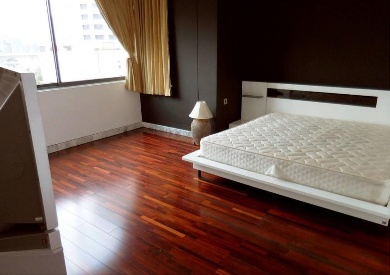 Bangkok Residential Agency's 5 Bed Penthouse For Rent in Phrom Phong BR1087CD 9