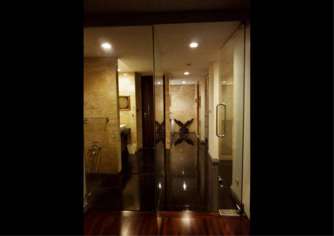 Bangkok Residential Agency's 5 Bed Penthouse For Rent in Phrom Phong BR1087CD 11