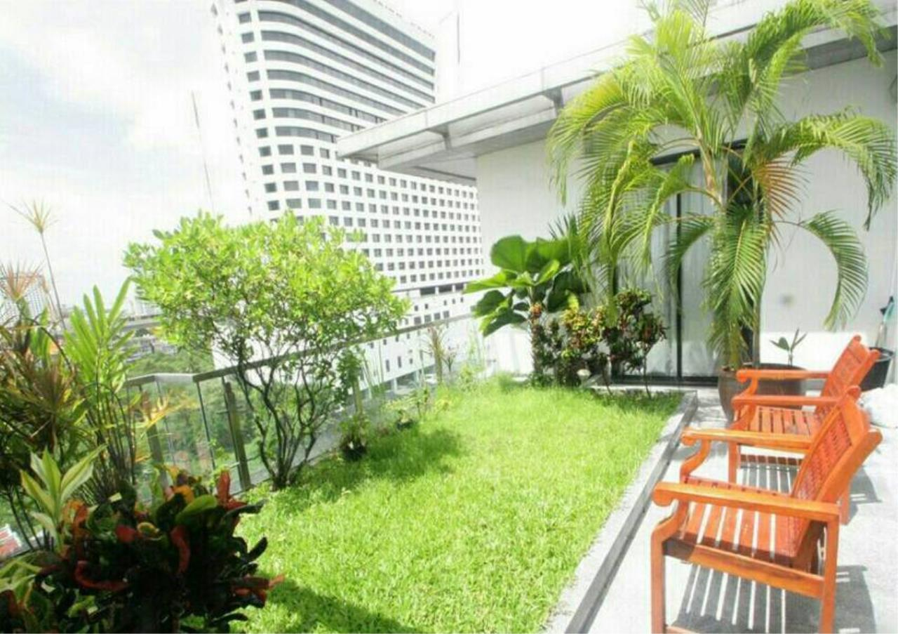 Bangkok Residential Agency's 5 Bed Penthouse For Rent in Phrom Phong BR1087CD 15
