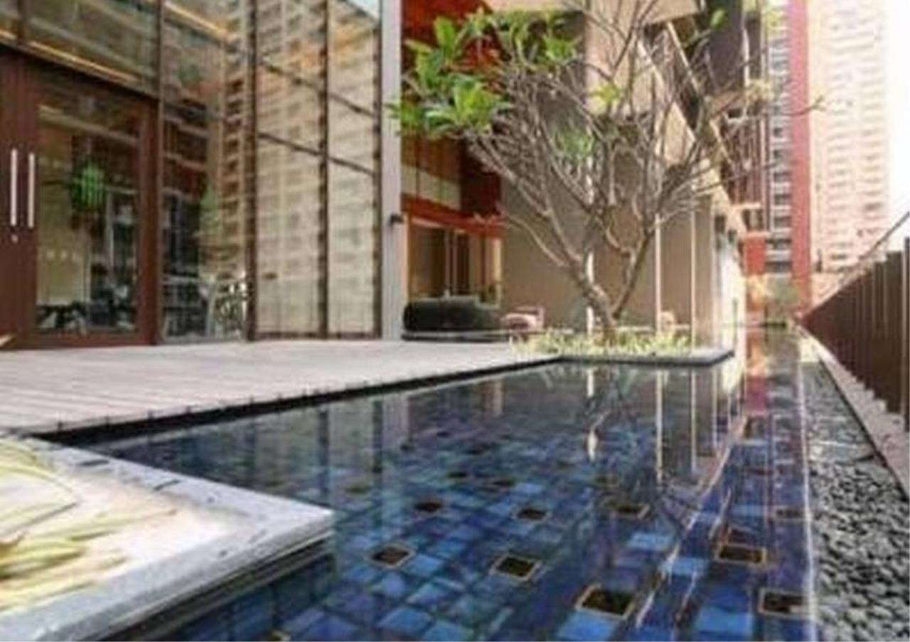 Bangkok Residential Agency's 2 Bed Condo For Rent in Ratchadamri BR1154CD 1