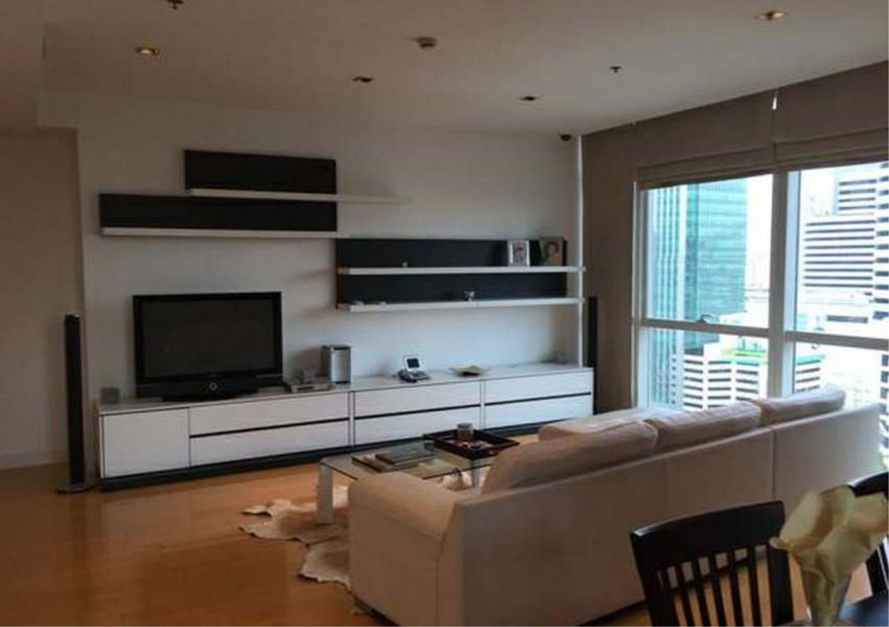 Bangkok Residential Agency's 3 Bed Condo For Rent in Phloenchit BR1178CD 1