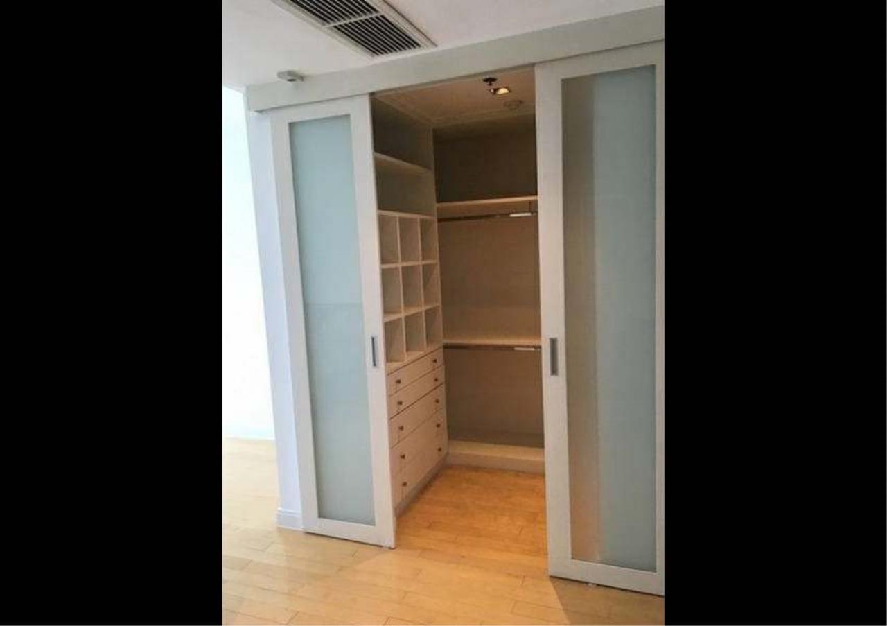 Bangkok Residential Agency's 3 Bed Condo For Rent in Phloenchit BR1178CD 6