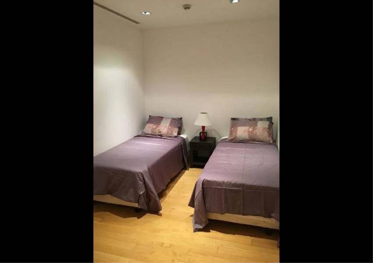 Bangkok Residential Agency's 3 Bed Condo For Rent in Phloenchit BR1178CD 10