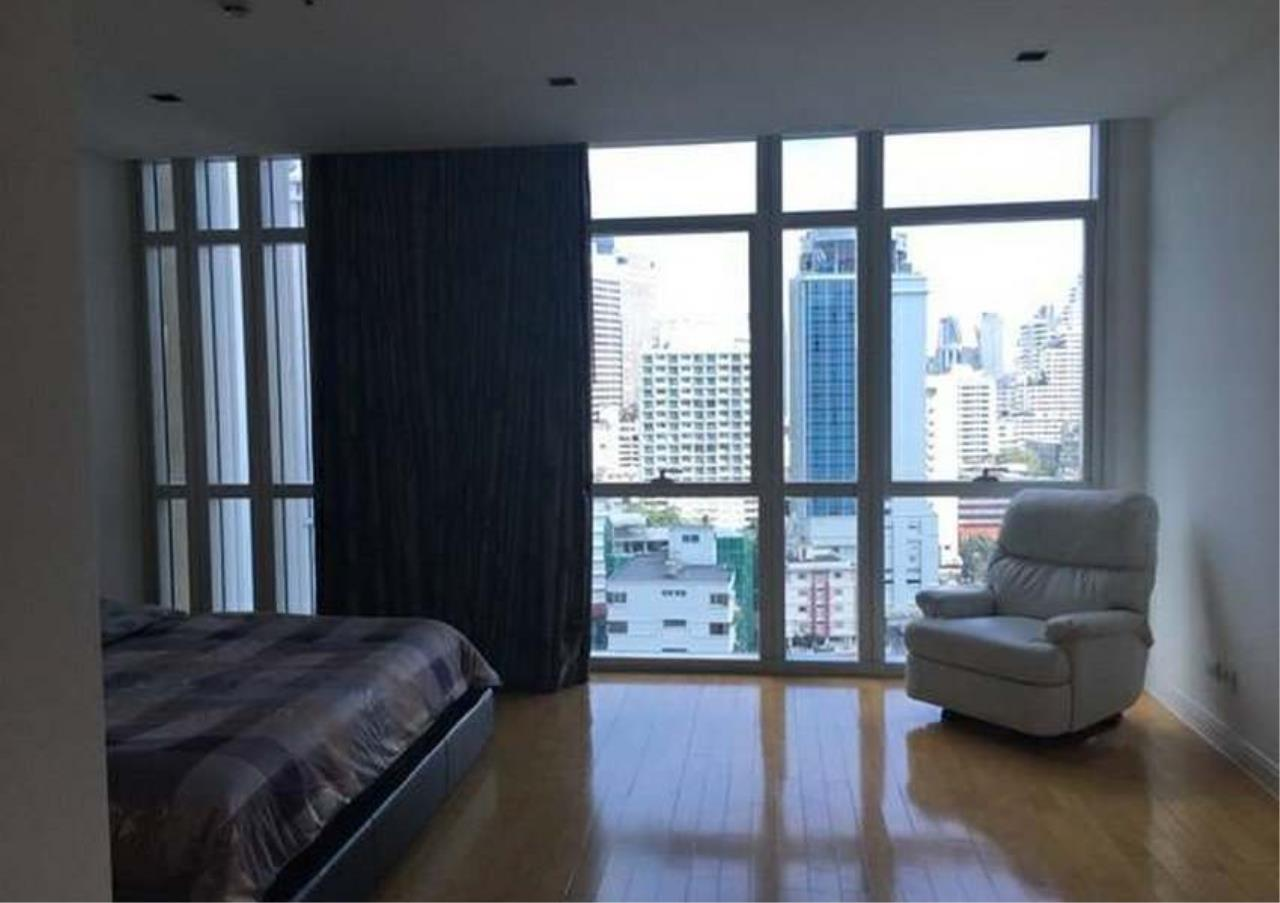 Bangkok Residential Agency's 3 Bed Condo For Rent in Phloenchit BR1178CD 12
