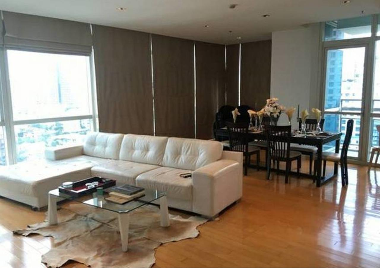 Bangkok Residential Agency's 3 Bed Condo For Sale in Phloenchit BR1178CD 2