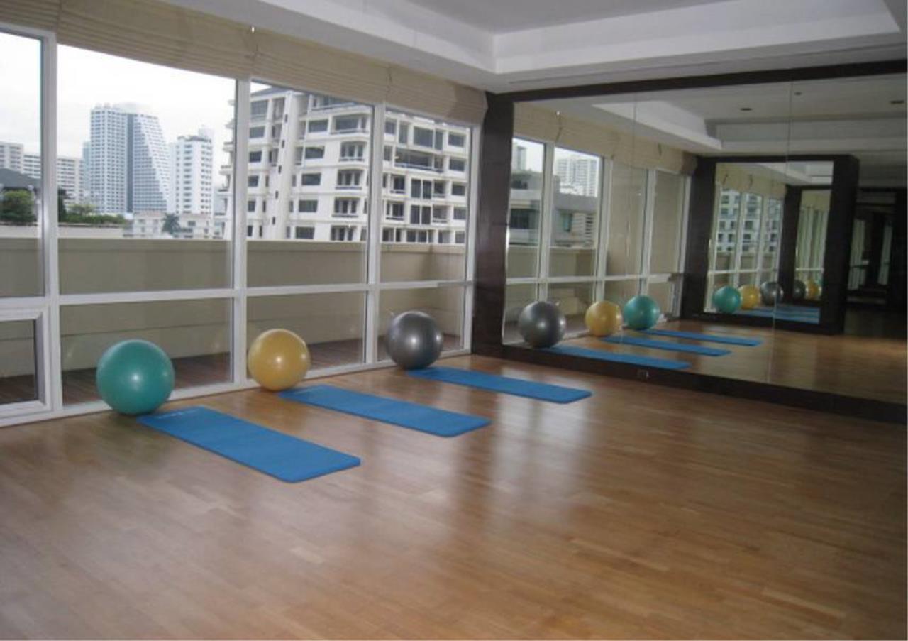 Bangkok Residential Agency's 2 Bed Condo For Rent in Phloenchit BR1218CD 6