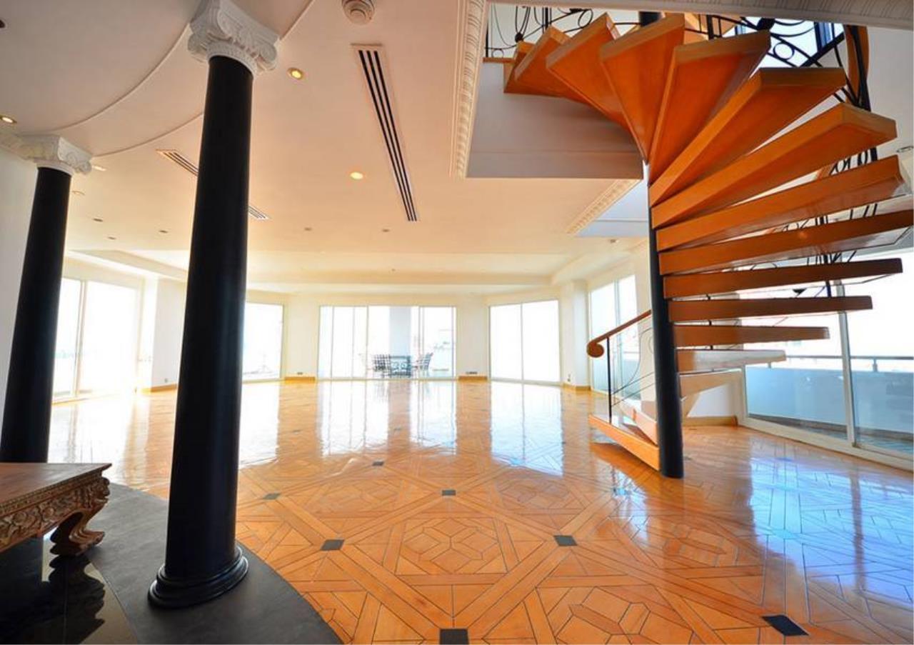 Bangkok Residential Agency's 5 Bed Penthouse For Rent Near Riverside BR1326CD 1