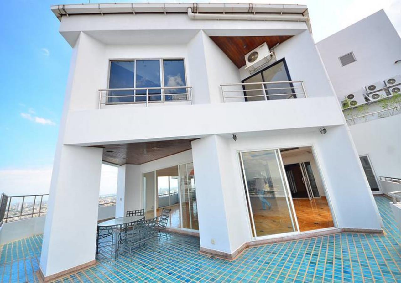 Bangkok Residential Agency's 5 Bed Penthouse For Rent Near Riverside BR1326CD 3