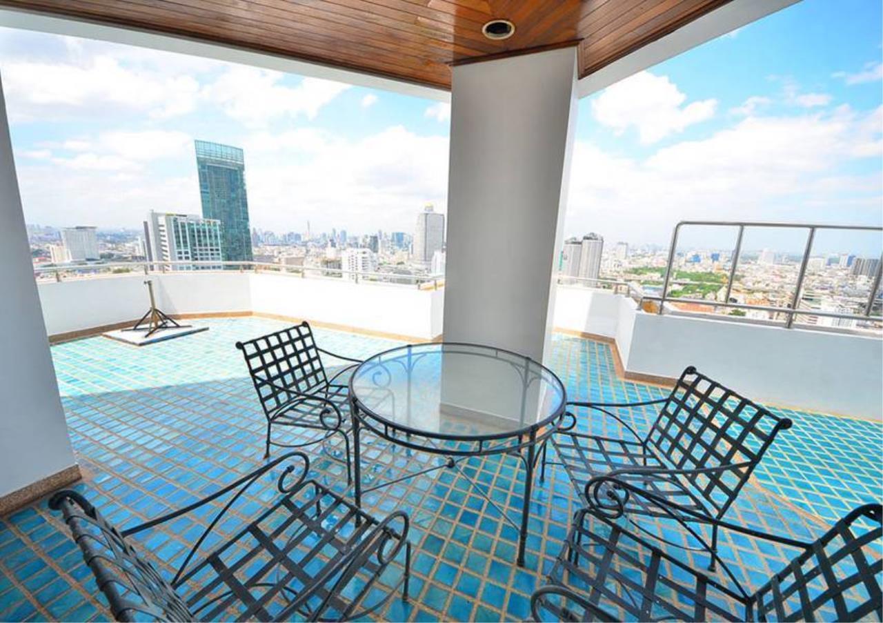 Bangkok Residential Agency's 5 Bed Penthouse For Rent Near Riverside BR1326CD 4