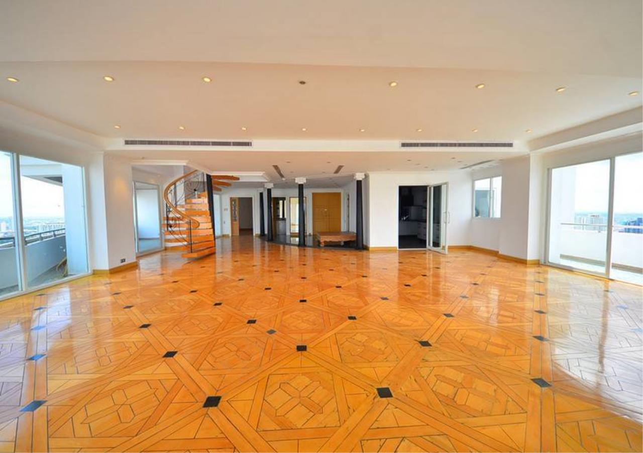 Bangkok Residential Agency's 5 Bed Penthouse For Rent Near Riverside BR1326CD 5