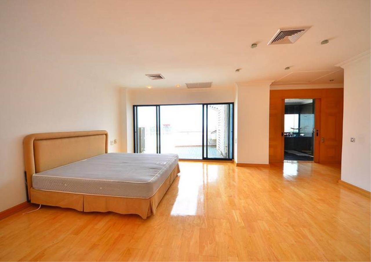Bangkok Residential Agency's 5 Bed Penthouse For Rent Near Riverside BR1326CD 7