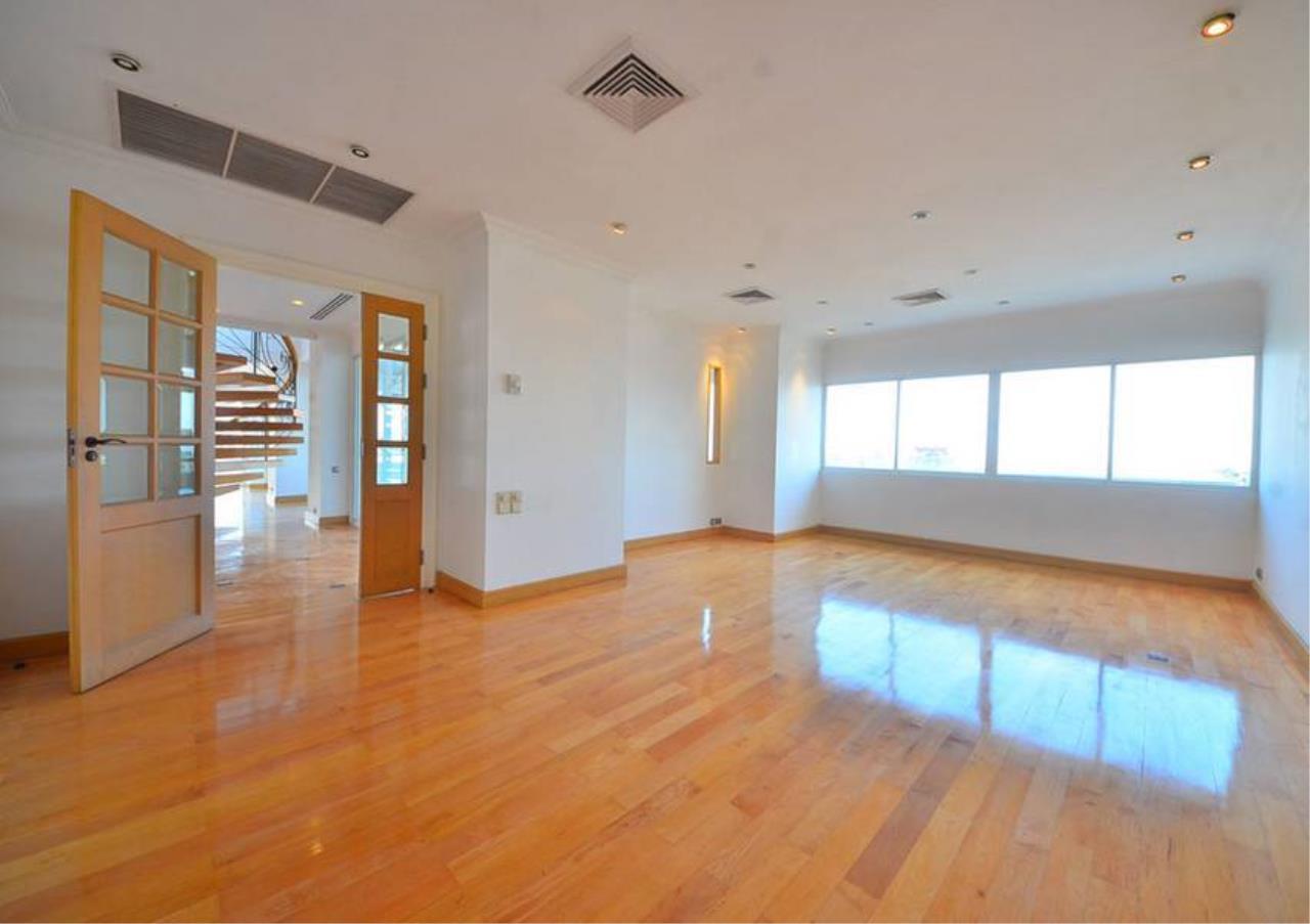 Bangkok Residential Agency's 5 Bed Penthouse For Rent Near Riverside BR1326CD 9