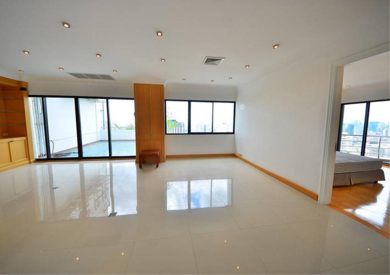 Bangkok Residential Agency's 5 Bed Penthouse For Rent Near Riverside BR1326CD 10