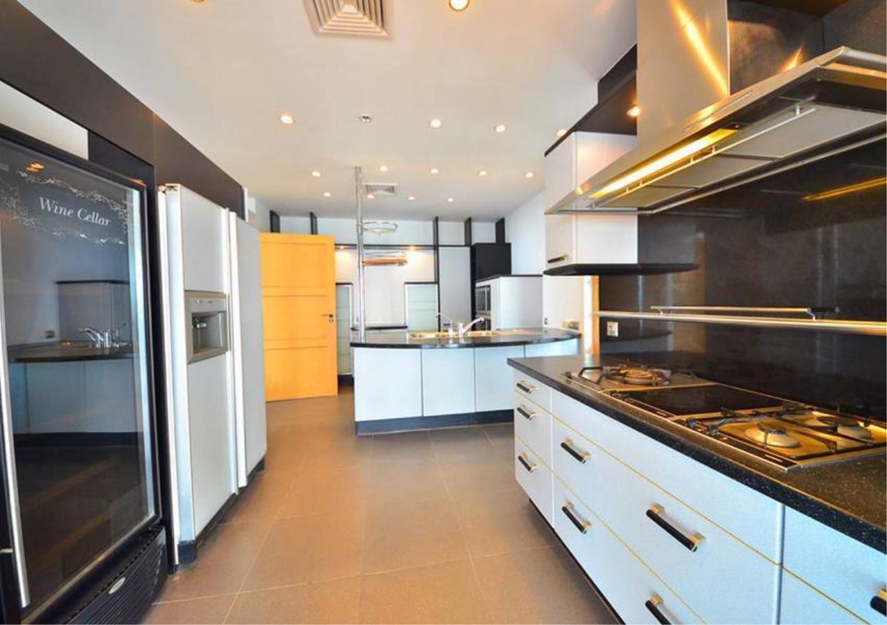 Bangkok Residential Agency's 5 Bed Penthouse For Rent Near Riverside BR1326CD 11