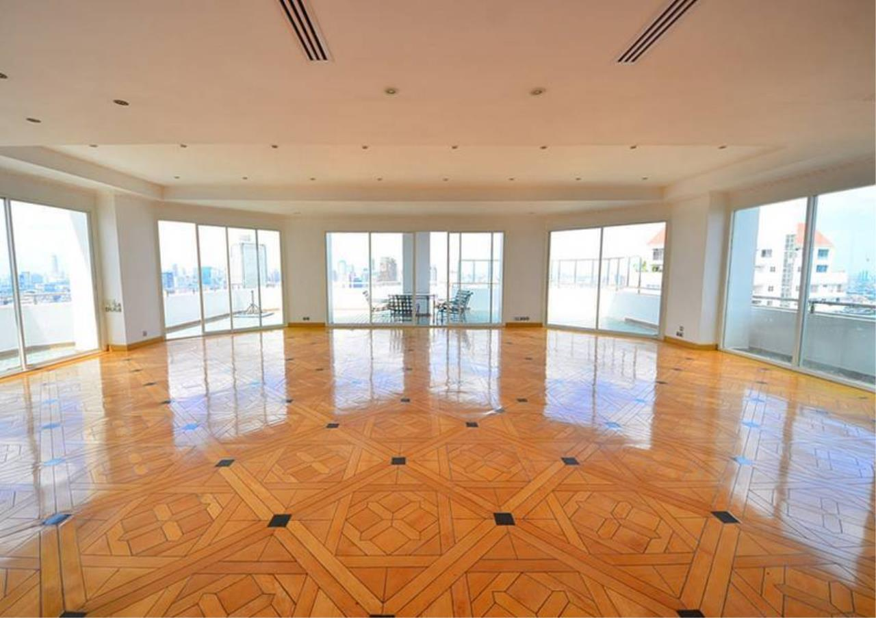 Bangkok Residential Agency's 5 Bed Penthouse For Sale Near Riverside BR1326CD 6