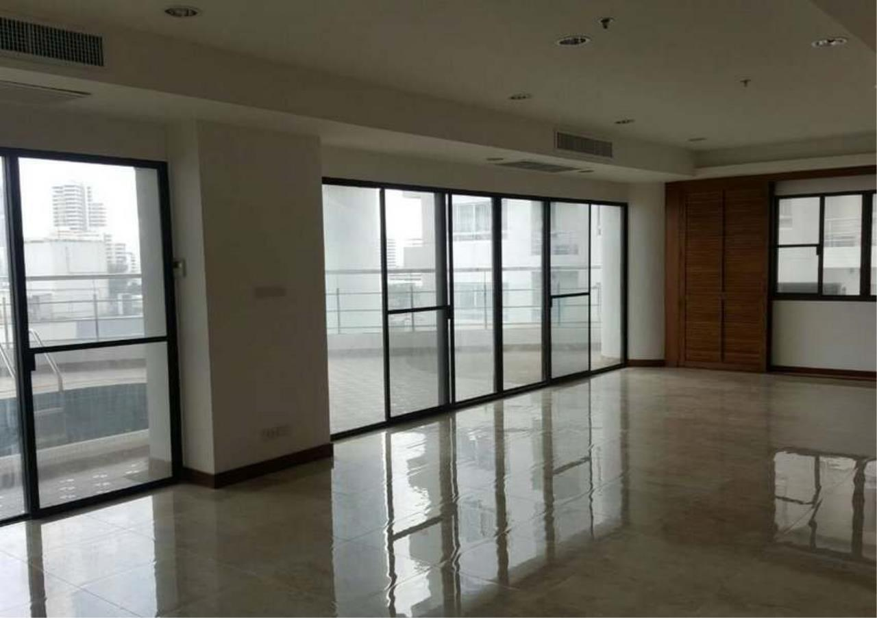 Bangkok Residential Agency's 3 Bed Condo For Rent in Phrom Phong BR1330CD 1