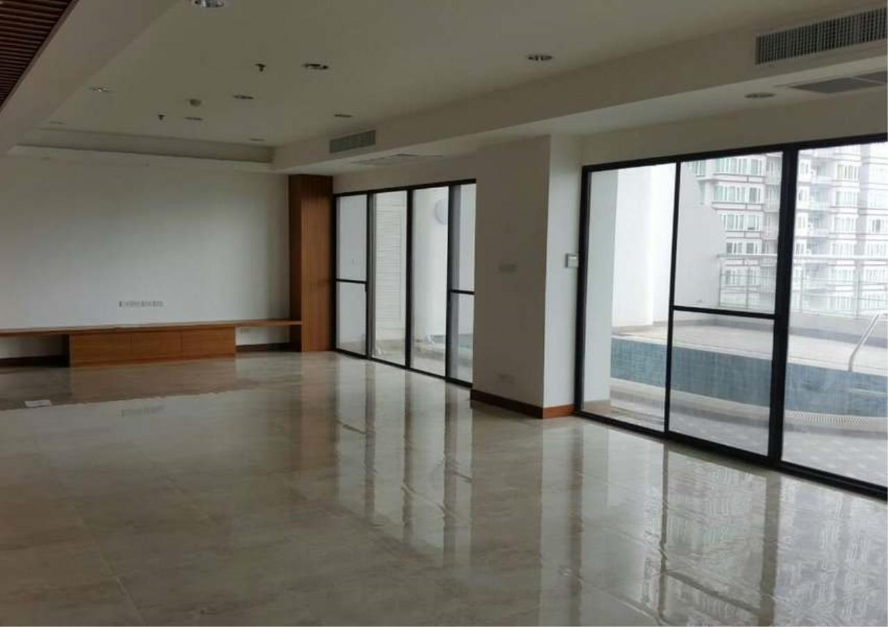 Bangkok Residential Agency's 3 Bed Condo For Rent in Phrom Phong BR1330CD 3