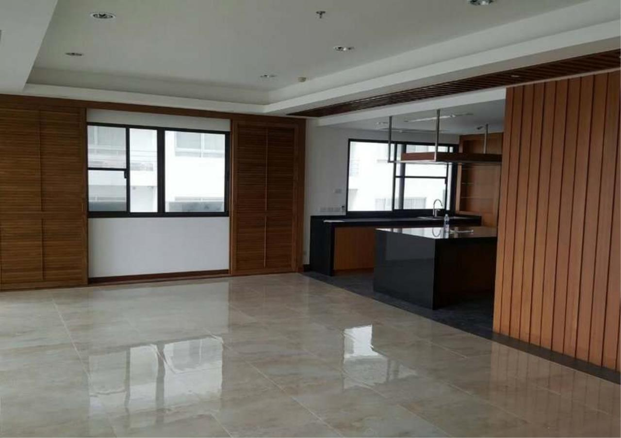 Bangkok Residential Agency's 3 Bed Condo For Rent in Phrom Phong BR1330CD 5