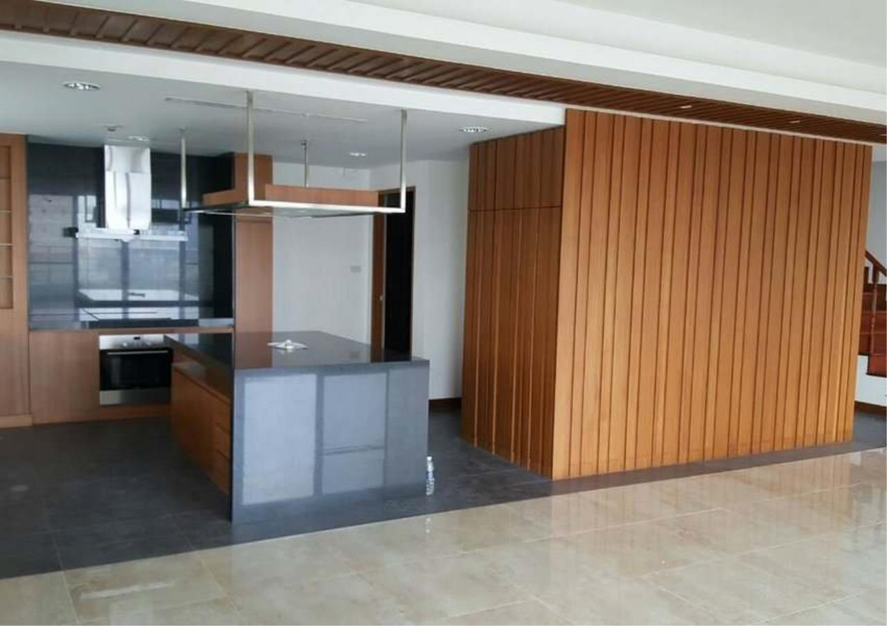 Bangkok Residential Agency's 3 Bed Condo For Rent in Phrom Phong BR1330CD 9