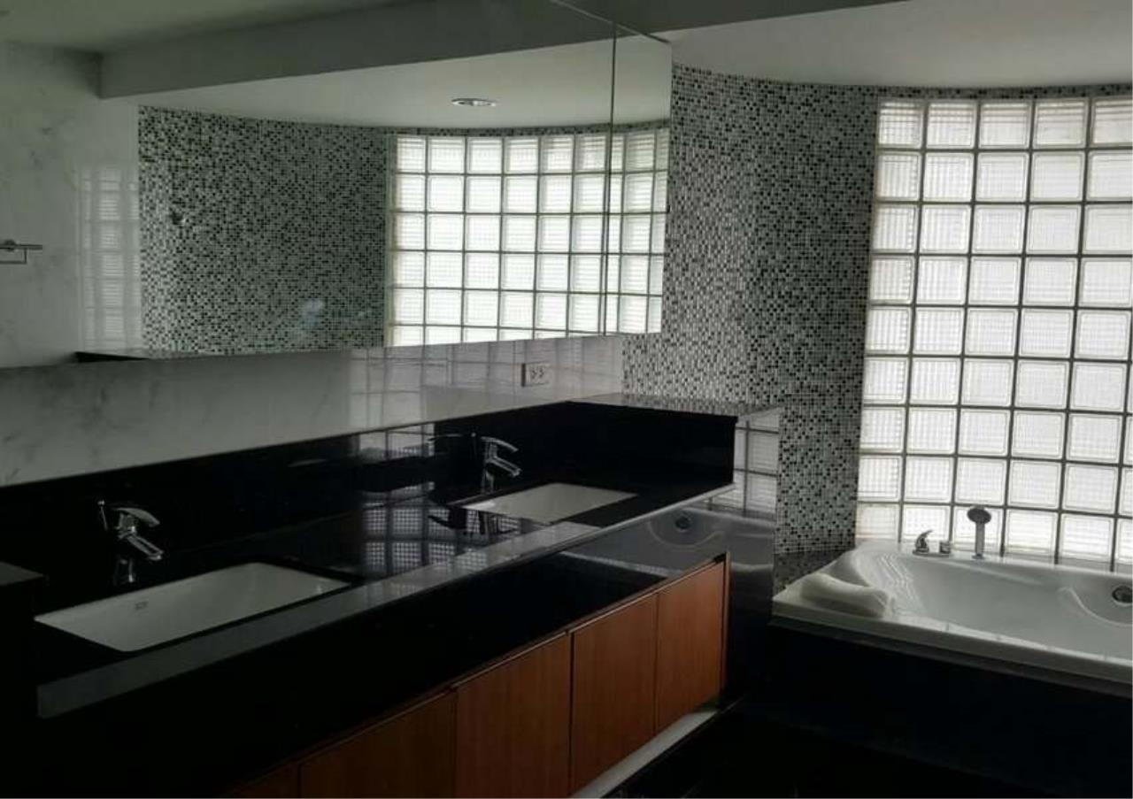 Bangkok Residential Agency's 3 Bed Condo For Rent in Phrom Phong BR1330CD 13