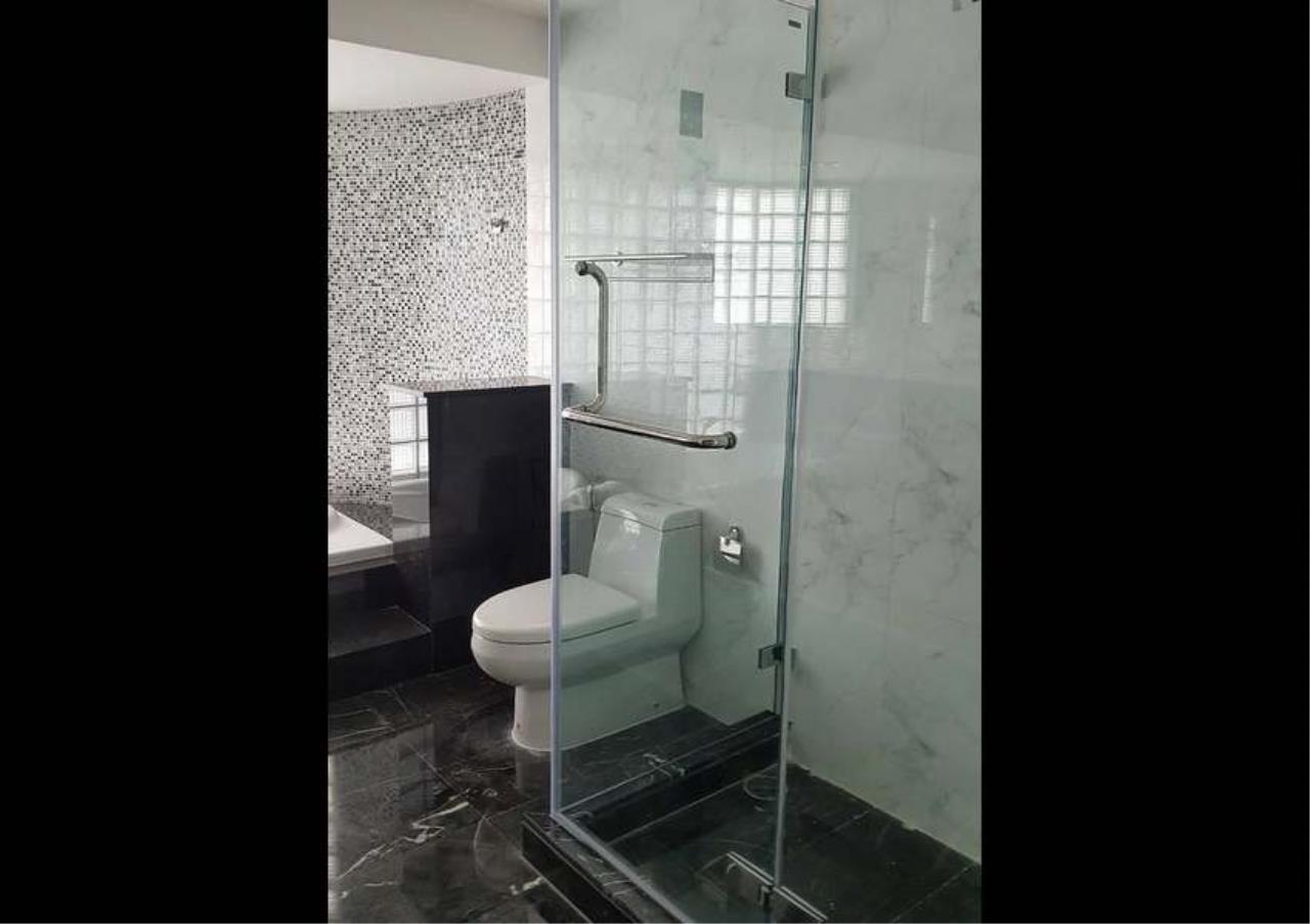 Bangkok Residential Agency's 3 Bed Condo For Rent in Phrom Phong BR1330CD 14