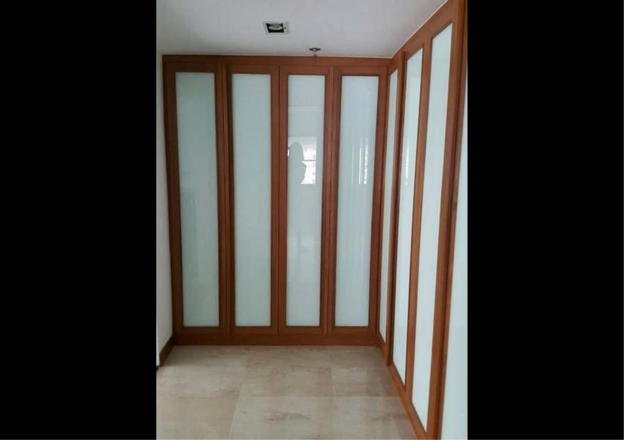 Bangkok Residential Agency's 3 Bed Condo For Rent in Phrom Phong BR1330CD 15
