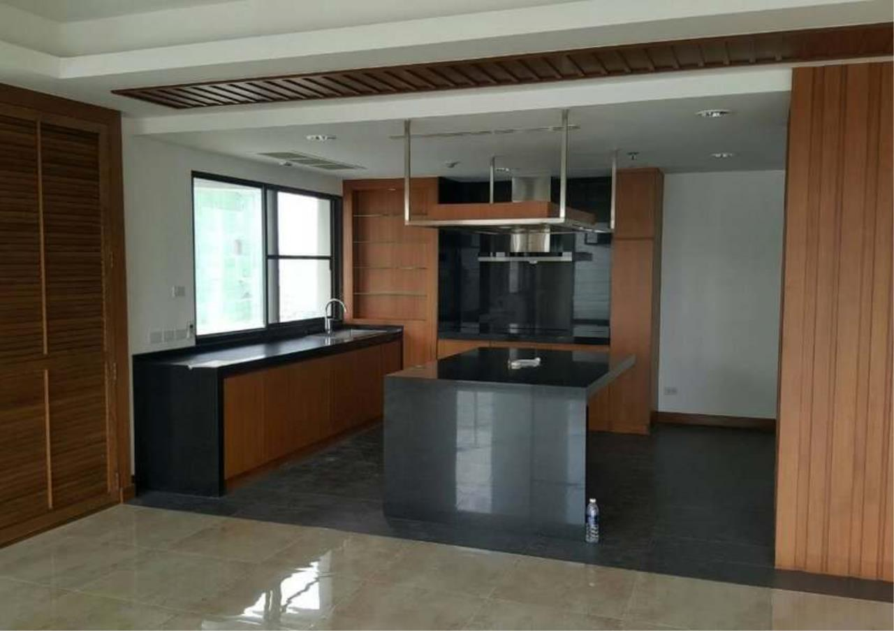 Bangkok Residential Agency's 3 Bed Condo For Rent in Phrom Phong BR1330CD 19
