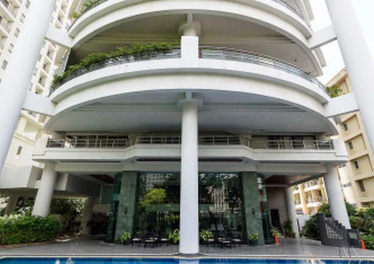 Bangkok Residential Agency's 3 Bed Condo For Rent in Phrom Phong BR1330CD 27