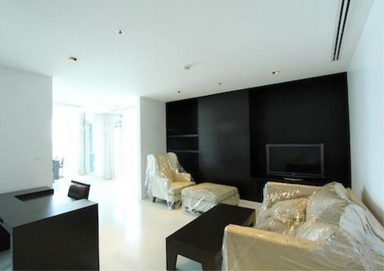 Bangkok Residential Agency's 4 Bed Condo For Rent in Phloenchit BR1341CD 2