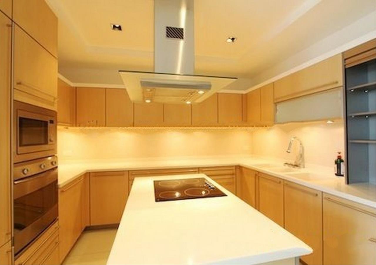 Bangkok Residential Agency's 4 Bed Condo For Rent in Phloenchit BR1341CD 7