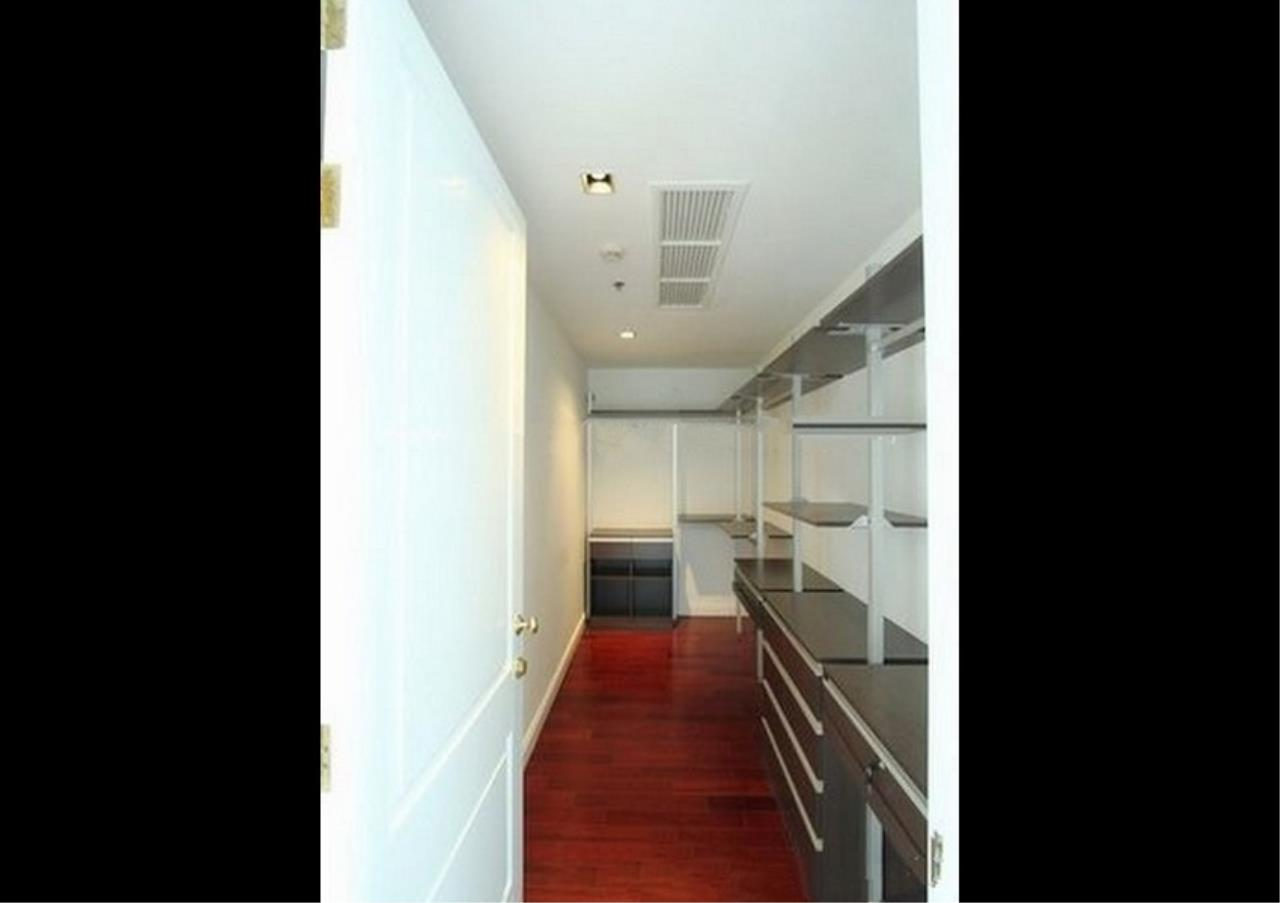 Bangkok Residential Agency's 4 Bed Condo For Rent in Phloenchit BR1341CD 12