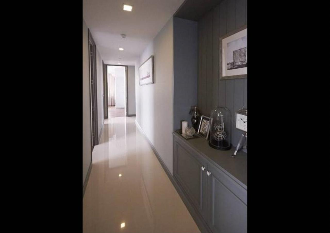 Bangkok Residential Agency's 3 Bed Condo For Rent in Sathorn BR1357CD 2