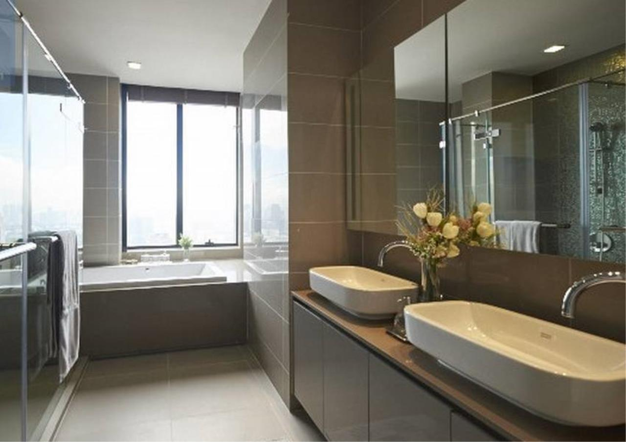 Bangkok Residential Agency's 3 Bed Condo For Rent in Sathorn BR1357CD 4
