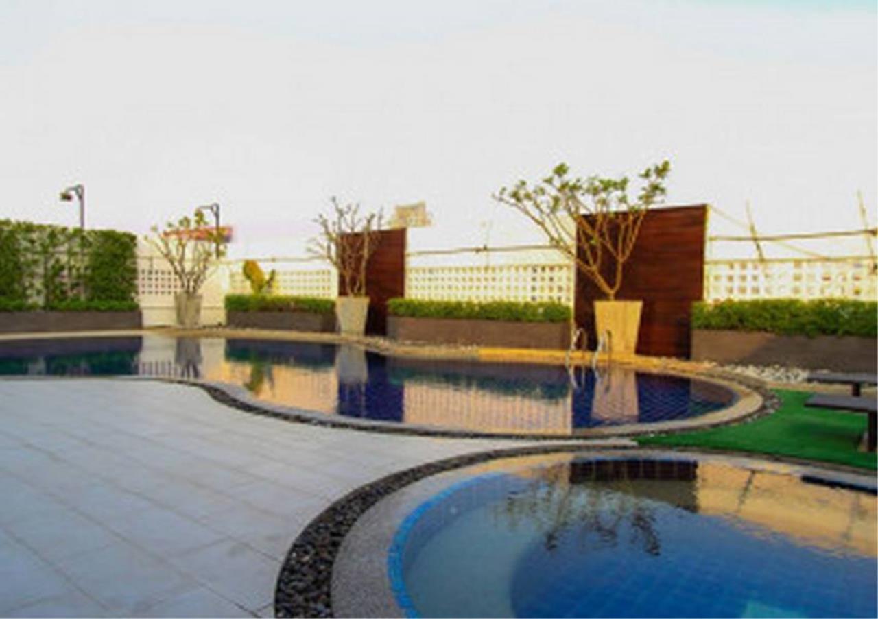 Bangkok Residential Agency's 3 Bed Condo For Rent in Phloenchit BR1440CD 1