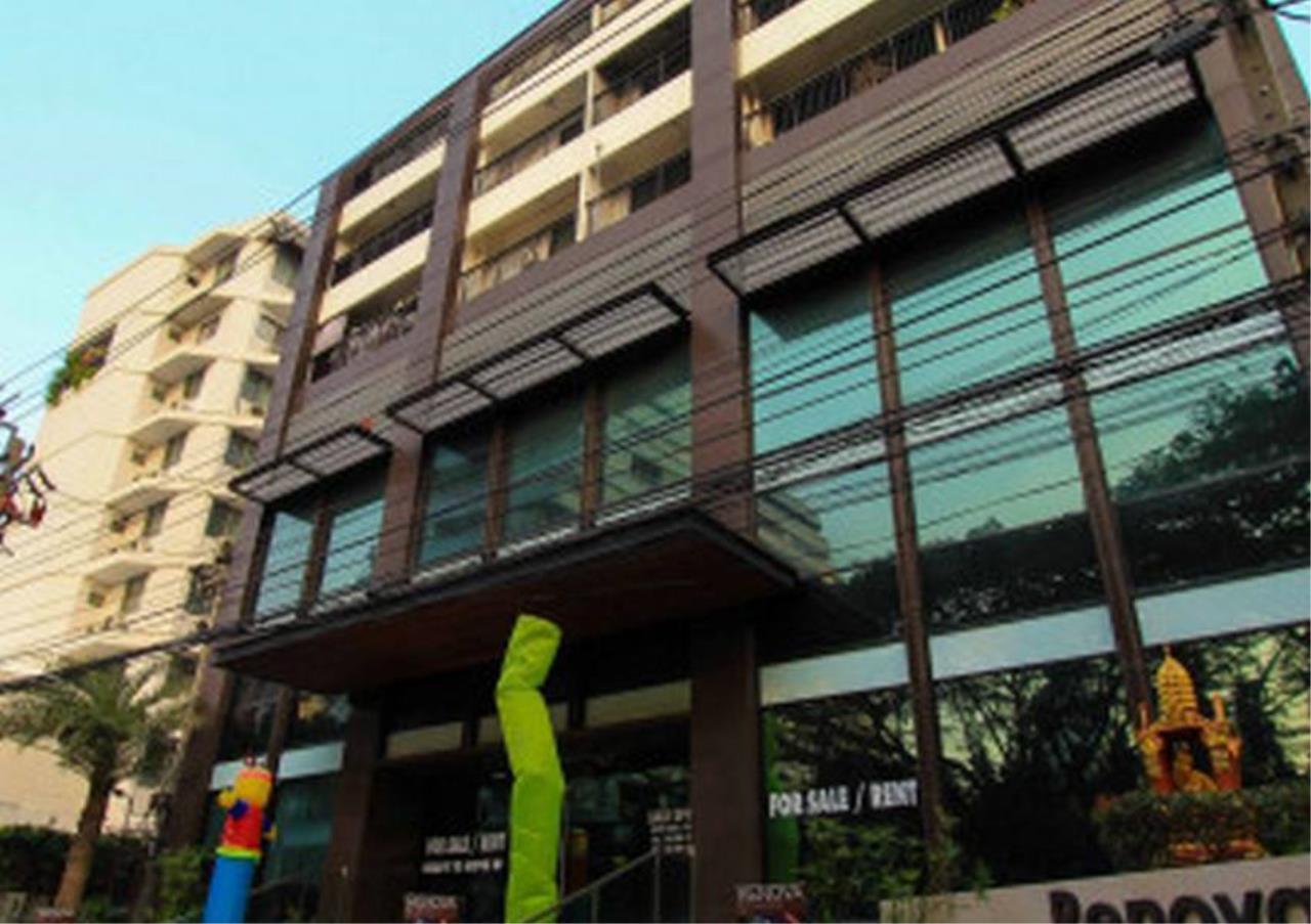 Bangkok Residential Agency's 3 Bed Condo For Rent in Phloenchit BR1440CD 4