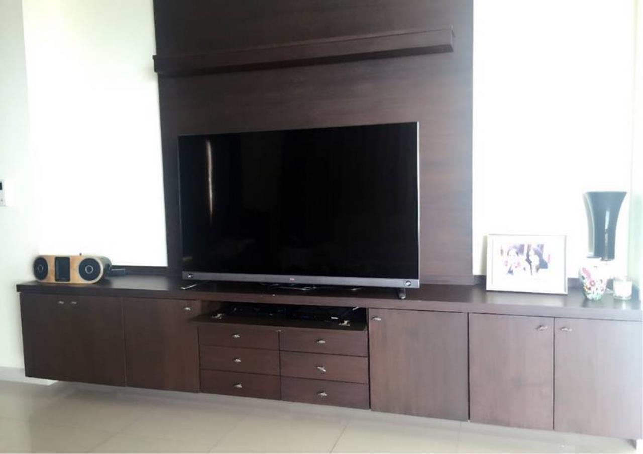 Bangkok Residential Agency's 3 Bed Condo For Rent Near  Riverside BR1452CD 3