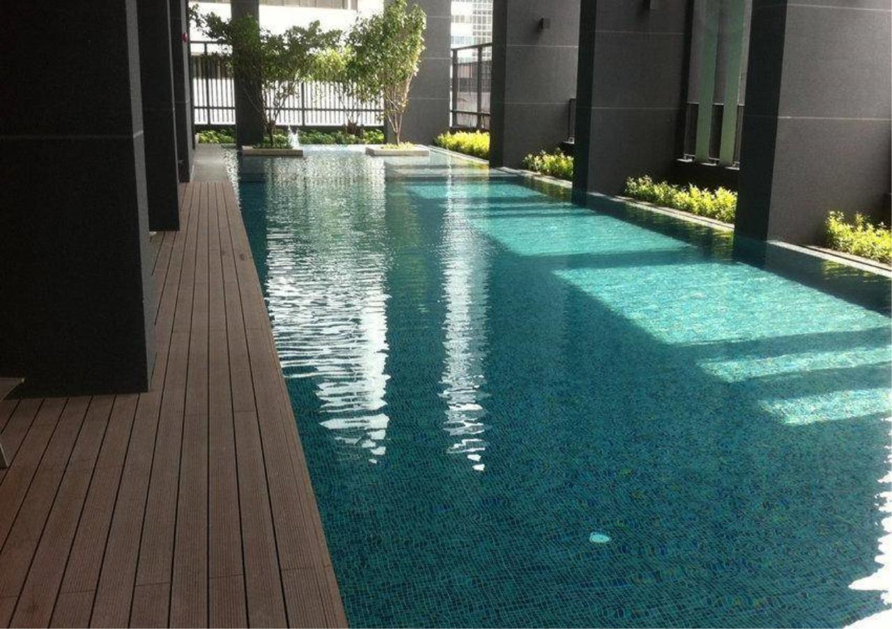 Bangkok Residential Agency's 2 Bed Condo For Rent in Phetchaburi BR1488CD 9