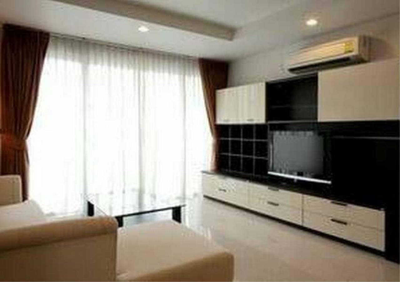Bangkok Residential Agency's 3 Bed Condo For Rent in Ekkamai BR1606CD 2