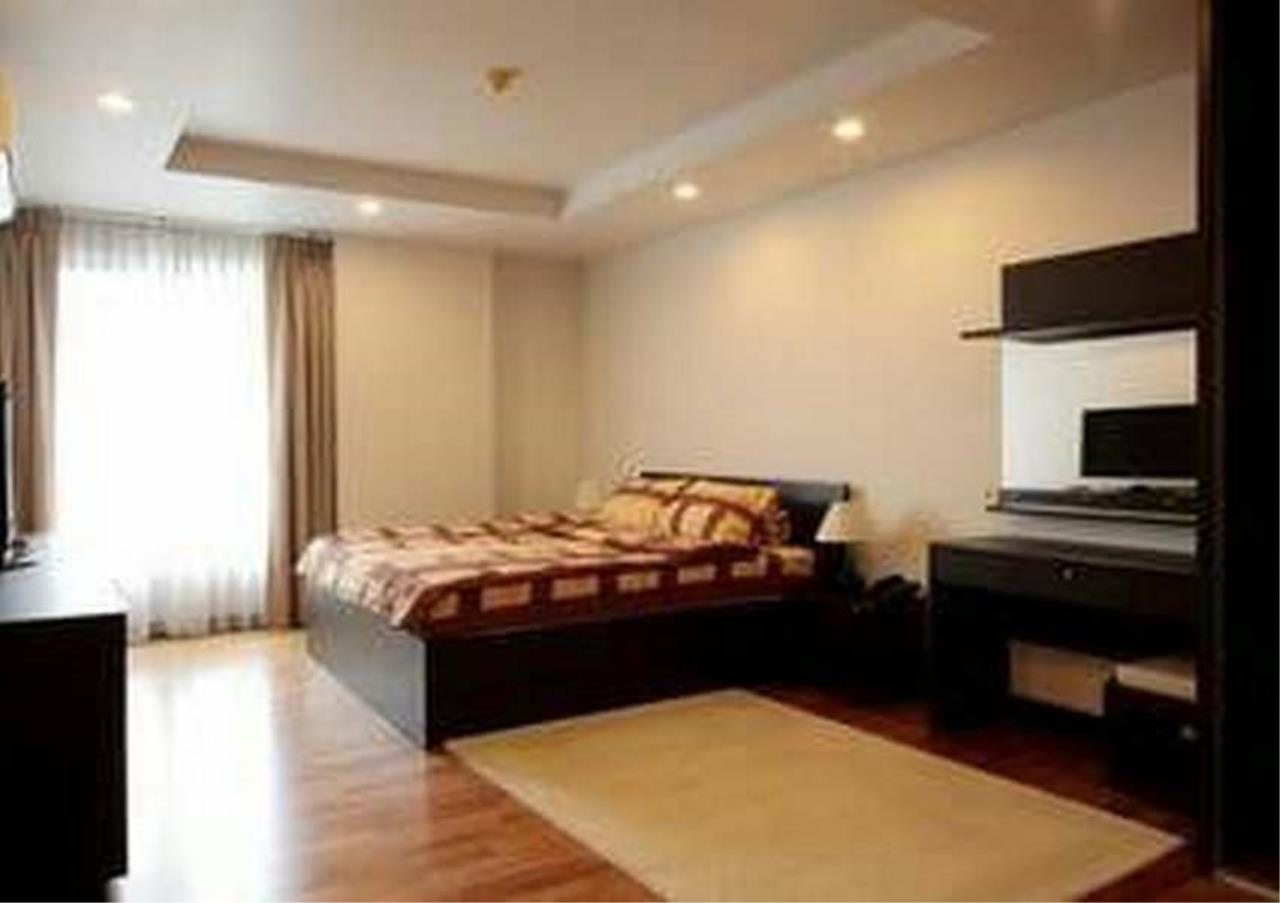 Bangkok Residential Agency's 3 Bed Condo For Rent in Ekkamai BR1606CD 6