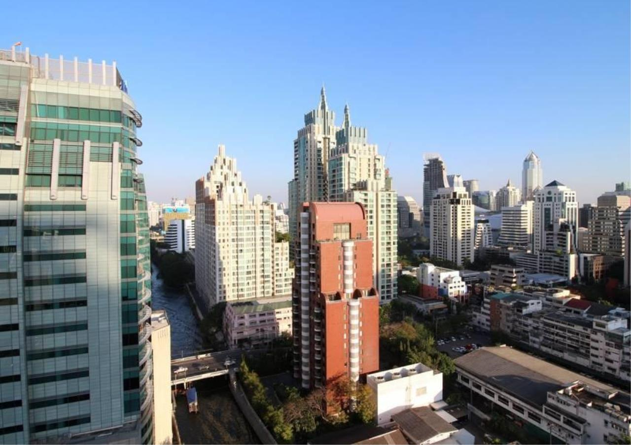 Bangkok Residential Agency's 3 Bed Condo For Rent in Chidlom BR1807CD 1