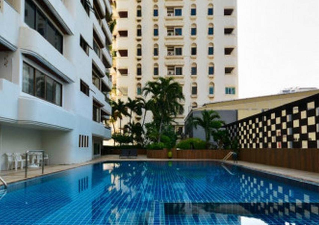 Bangkok Residential Agency's 3 Bed Condo For Rent in Asoke BR1940CD 4