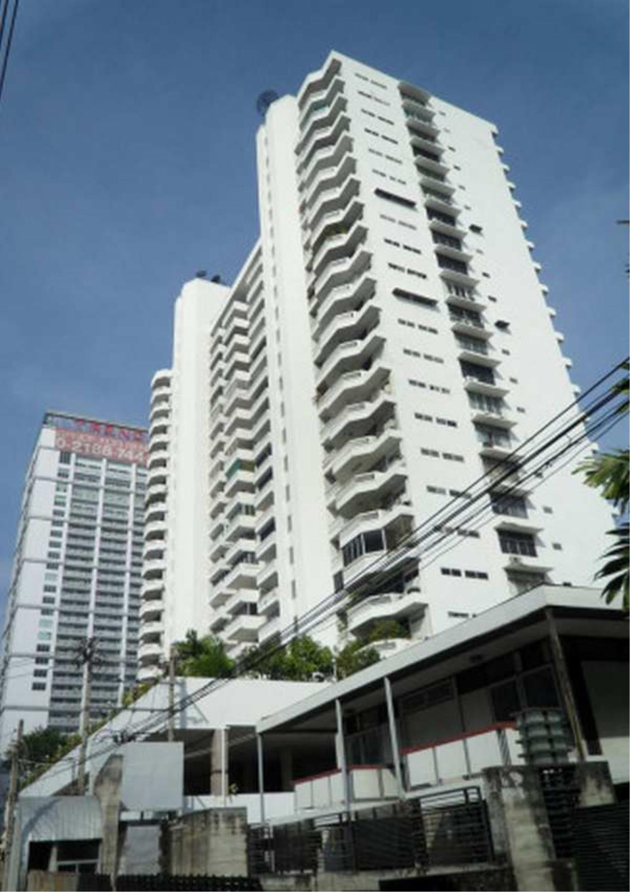 Bangkok Residential Agency's 3 Bed Condo For Rent in Asoke BR1960CD 1