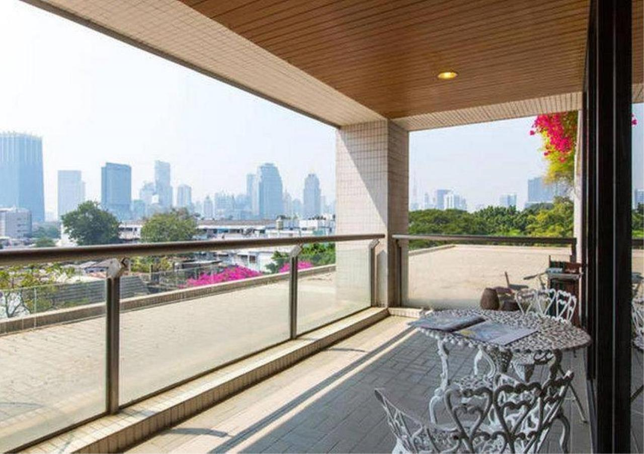 Bangkok Residential Agency's 2 Bed Condo For Rent in Ratchadamri BR1972CD 5