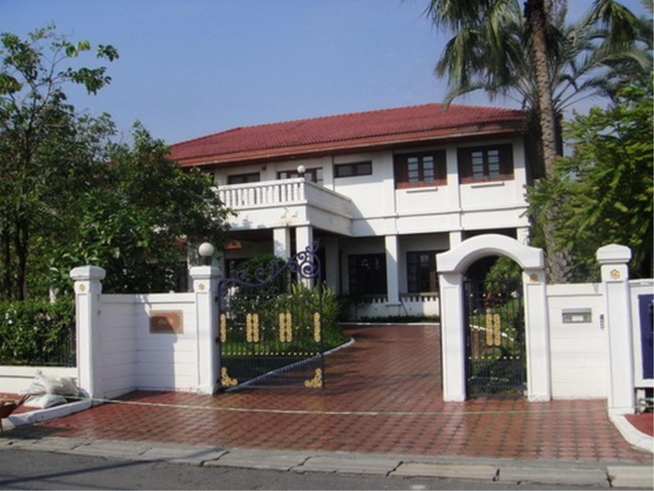 Bangkok Residential Agency's 4 Bed Single House in Compound For Rent in Bang Na BR2096CD 8